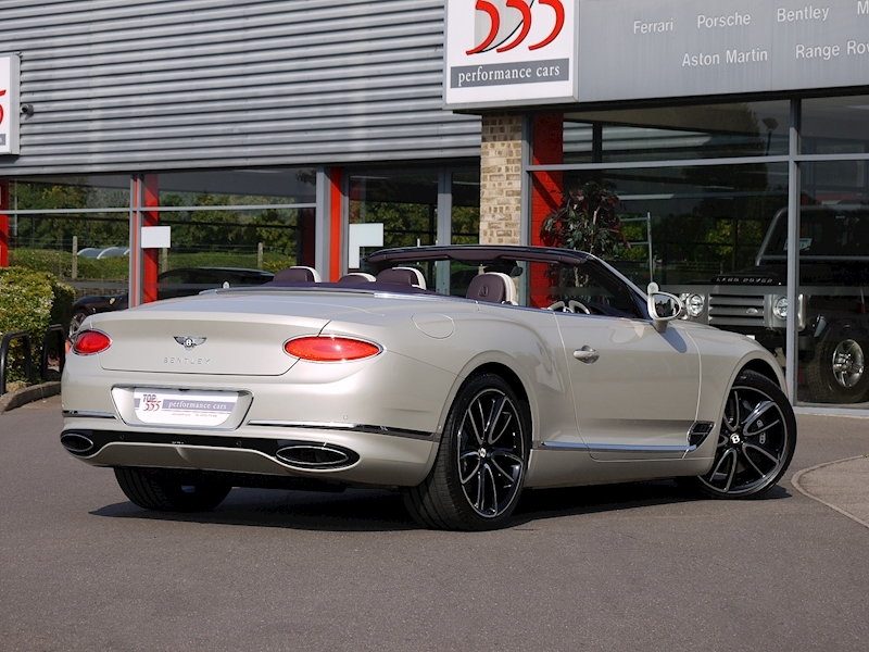 Bentley Continental GTC Mulliner W12 - Large 37
