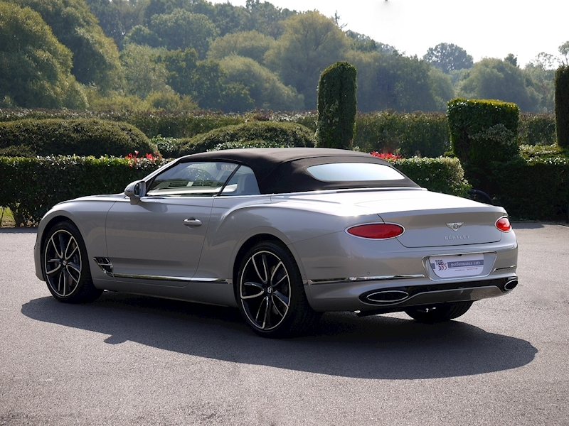 Bentley Continental GTC Mulliner W12 - Large 46