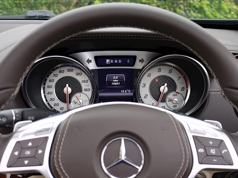 Mercedes-Benz SL350 AMG SPORT - Large 33