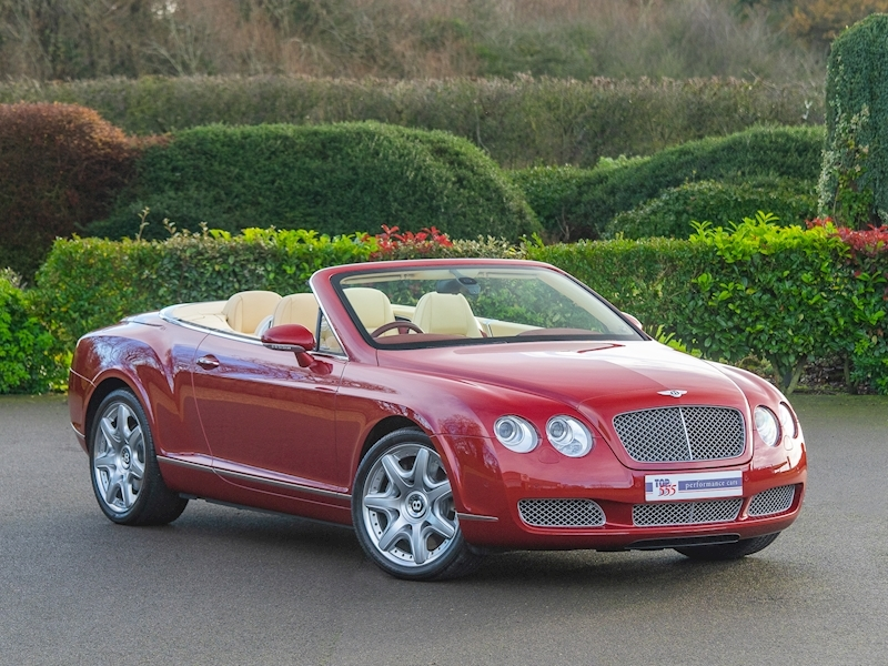 Bentley Continental GTC Mulliner 6.0 W12 - Large 2