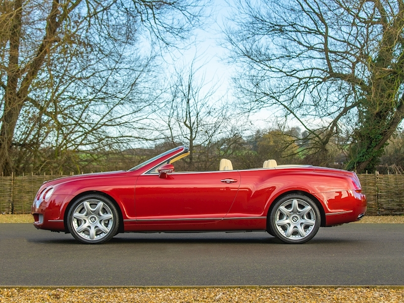 Bentley Continental GTC Mulliner 6.0 W12 - Large 5
