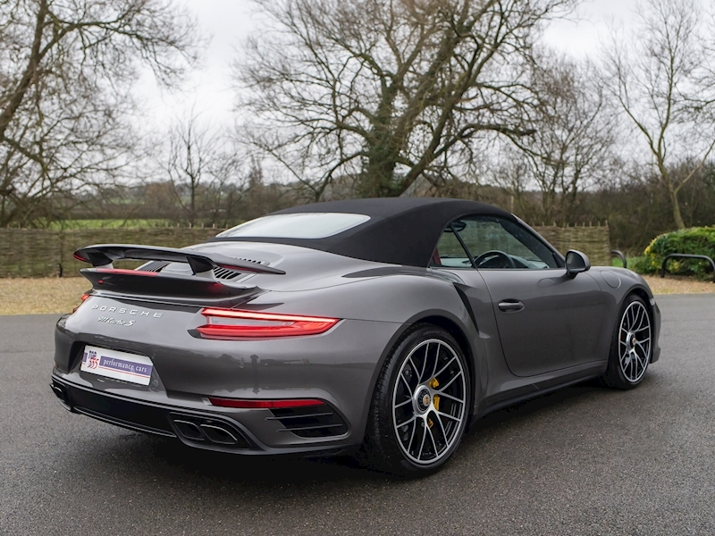 Porsche 911 (991.2) Turbo S Convertible 3.8 PDK - Large 23