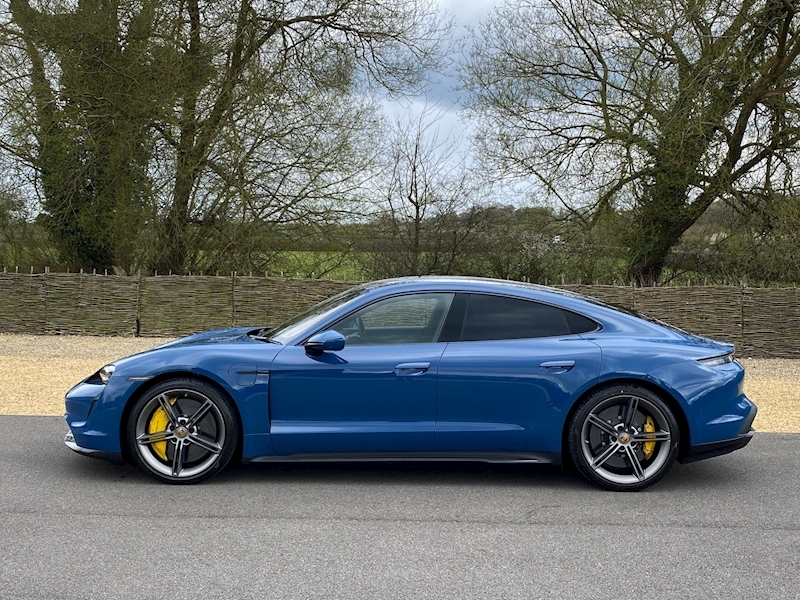 Porsche Taycan Turbo S - Large 3