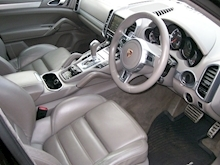 Porsche Cayenne Turbo Estate 4.8 Automatic Petrol - Thumb 11