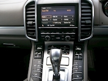 Porsche Cayenne Turbo Estate 4.8 Automatic Petrol - Thumb 13