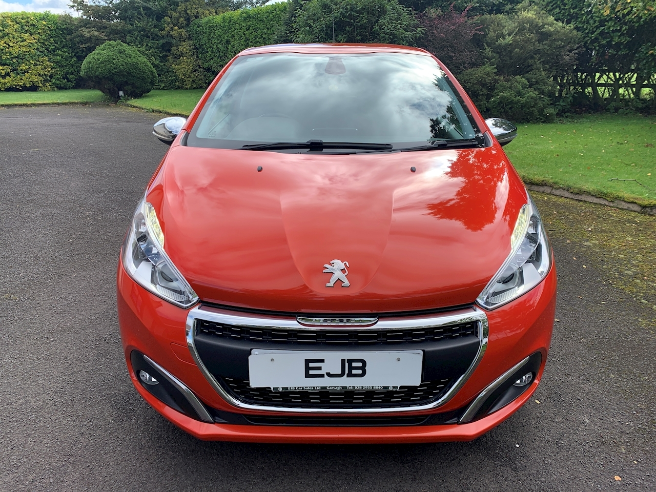 Peugeot 208 Allure Hatchback 1.2 Manual Petrol