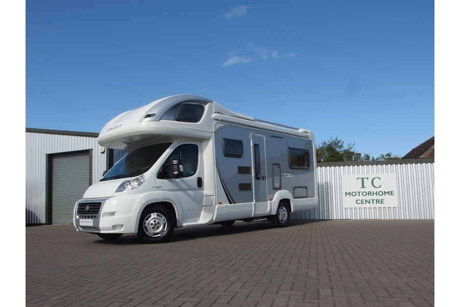 Swift Voyager 695 EL 2287 Coachbuilt Manual Diesell