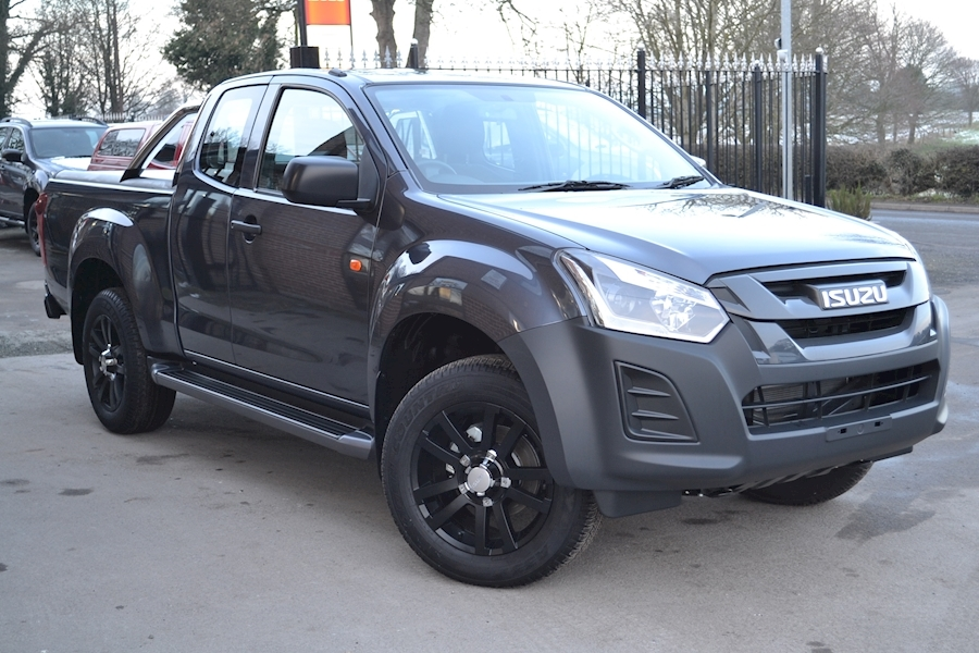 D-Max Extended Cab 4x4 Pick Up with Mountain Roll Lid 18 Inch Black Alloys 1.9 4dr Pickup manual Diesel