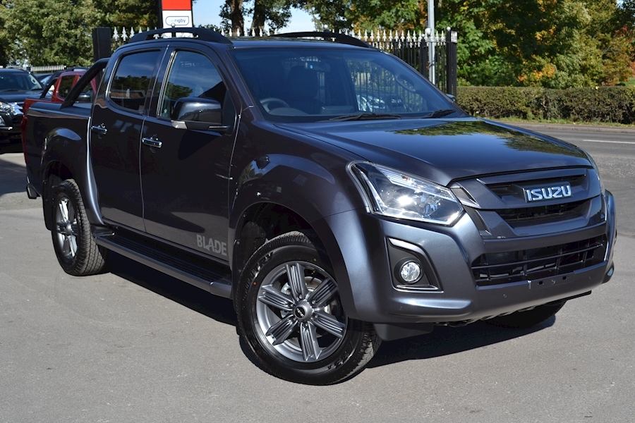 D-Max Blade Double Cab 4x4 Pick Up with Roller Lid and Style Bar 1.9 4dr Pickup Automatic Diesel