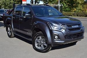 Isuzu D-Max Blade Double Cab 4x4 Pick Up with Roller Lid and Style Bar