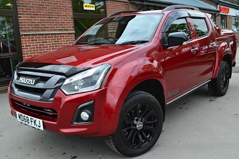 D-Max Blade Double Cab 4x4 Pick Up Hi Spec Demo Fitted with SCZ Sports Lid 19 Inch Alloys 1.9 4dr Pickup Automatic Diesel