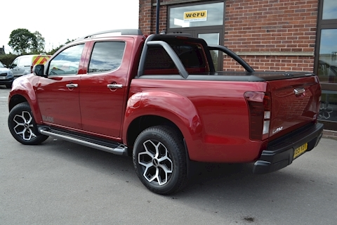 D-Max Blade Double Cab 4x4 Pick Up Fitted Roller Lid and Style Bar 1.9 4dr Pickup Automatic Diesel