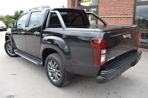 D-Max Blade Double Cab 4x4 Pick Up Fitted Roller Lid with Style Bar 1.9 4dr Pickup Automatic Diesel