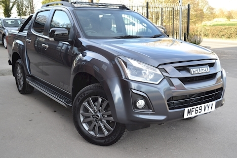 Isuzu D-Max Blade 195 Bhp Double Cab 4x4 Pick Up fitted Roller Lid and Style Bar