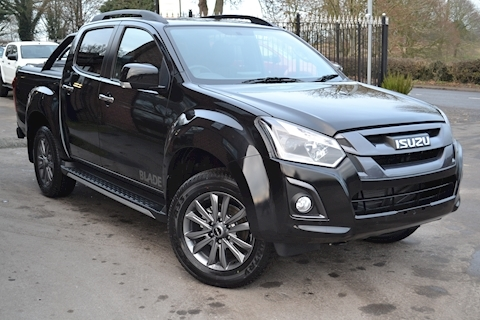 Isuzu D-Max Blade Double Cab 4x4 Pick UP Fitted Roller Lid and Style Bar