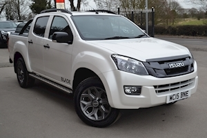 Isuzu D-Max Blade Double Cab 4x4 Pick Up Roller Lid With Style Bar