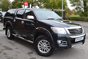 Toyota Hilux Invincible 4x4 D-4d Double Cab 4x4 Pick Up Glazed Truckman Canopy