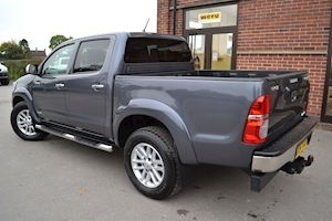 Hilux Invincible 4X4 D-4D Double Cab 4x4 Pick Up 3.0 Pickup Manual Diesel