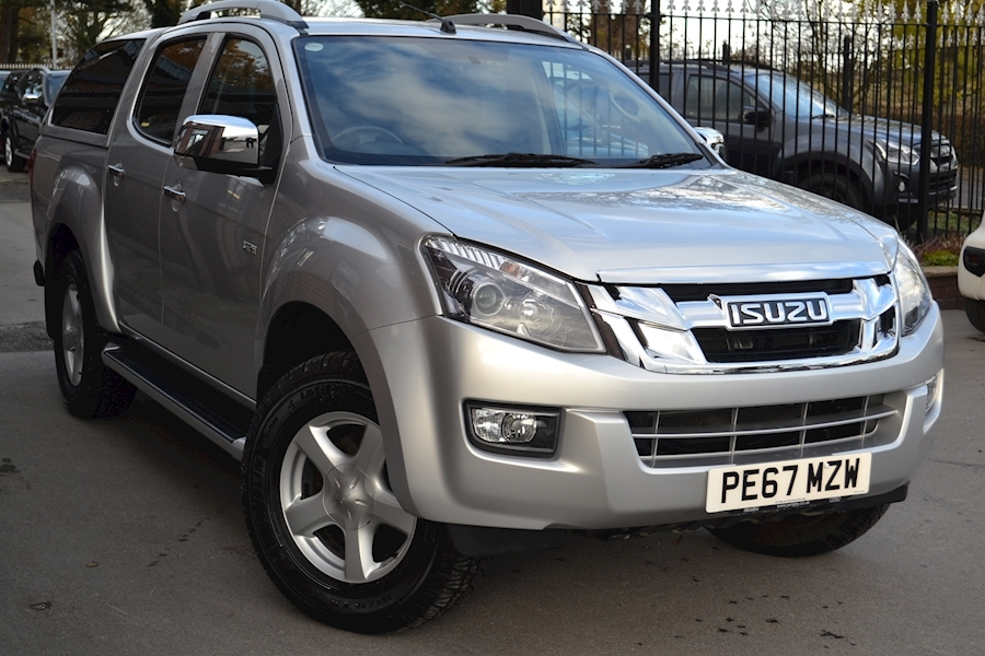 D-Max Utah Vision Double Cab 4x4 Pick with Glazed Truckman Canopy 2.5 Pickup Manual Diesel