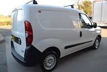 Vauxhall Combo 2000 L1h1 Cdti NO VAT TO PAY 1.2 - Thumb 3