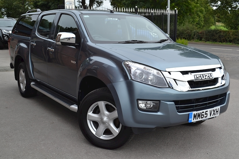 D-max Yukon Vision Double Cab 4x4 Pick Up Fitted Glazed SMM Canopy 2.5 4dr Pickup Manual Diesel
