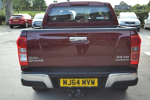 D-Max Yukon Double Cab 4x4 Pick Up 2.5 4dr Pickup Manual Diesel