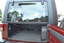 Jeep Wrangler Unlimited Sahara Removable Hardtop 2.8 - Thumb 8