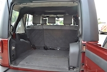 Jeep Wrangler Unlimited Sahara Removable Hardtop 2.8 - Thumb 9