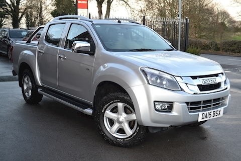 Isuzu D-Max Utah Vision Double Cab 4x4 Pick Up Fitted Roller Lid and Style Bar