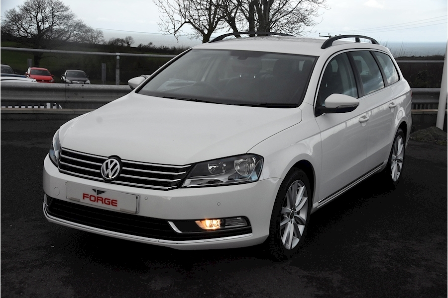 Volkswagen Passat Executive Tdi Bluemotion Technology - Large 0