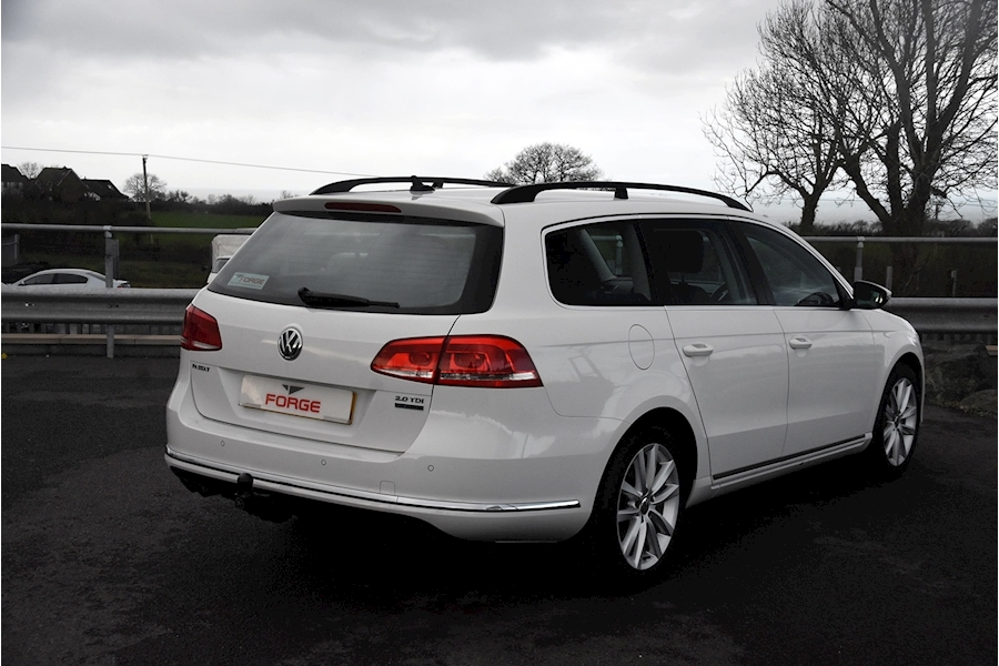 Volkswagen Passat Executive Tdi Bluemotion Technology - Large 3