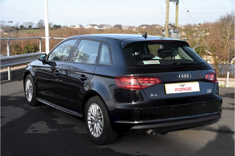 Audi A3 Tdi Ultra Se Technik - Large 5