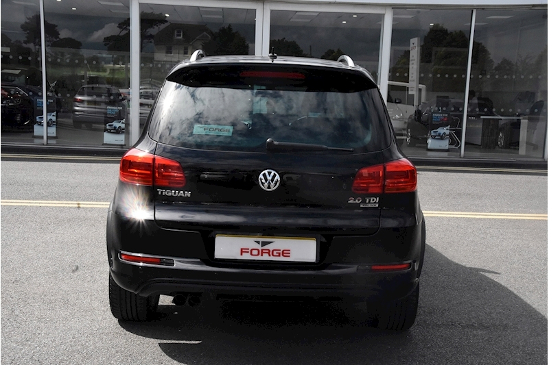 Volkswagen Tiguan R Line Tdi Bluemotion Technology 4Motion - Large 4
