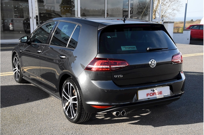 Volkswagen Golf GTD - Large 3