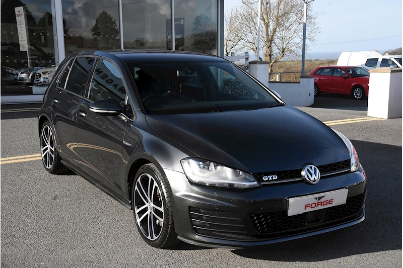 Volkswagen Golf GTD - Large 0