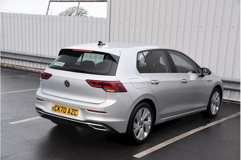 Volkswagen Golf Style - Large 6