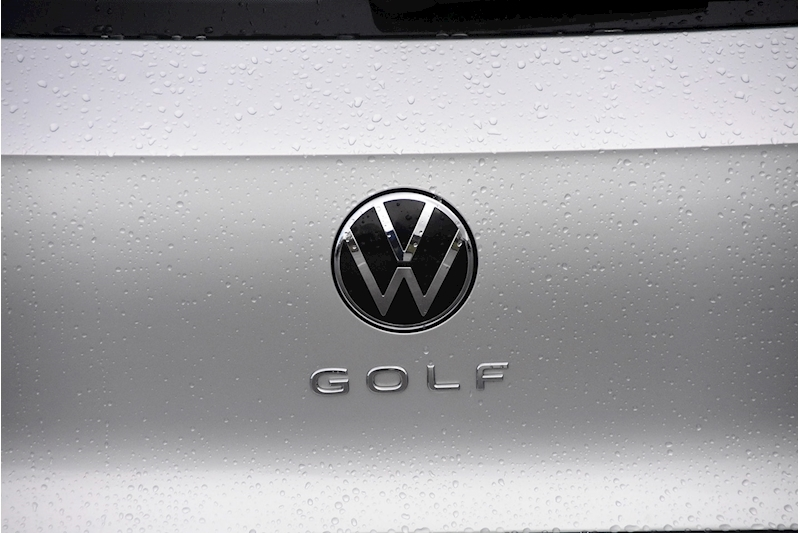 Volkswagen Golf Style - Large 8