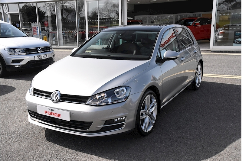 Volkswagen Golf TSI BlueMotion Tech GT Edition - Large 3