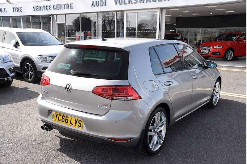 Volkswagen Golf TSI BlueMotion Tech GT Edition - Large 6