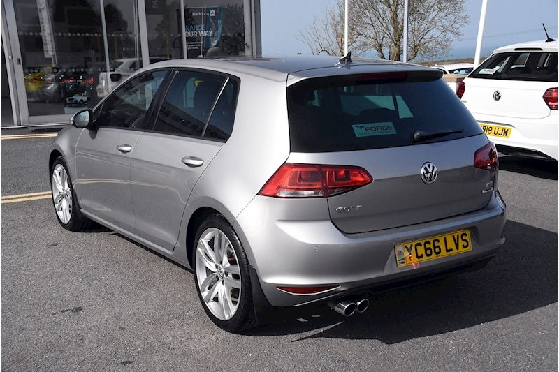 Volkswagen Golf TSI BlueMotion Tech GT Edition - Large 11