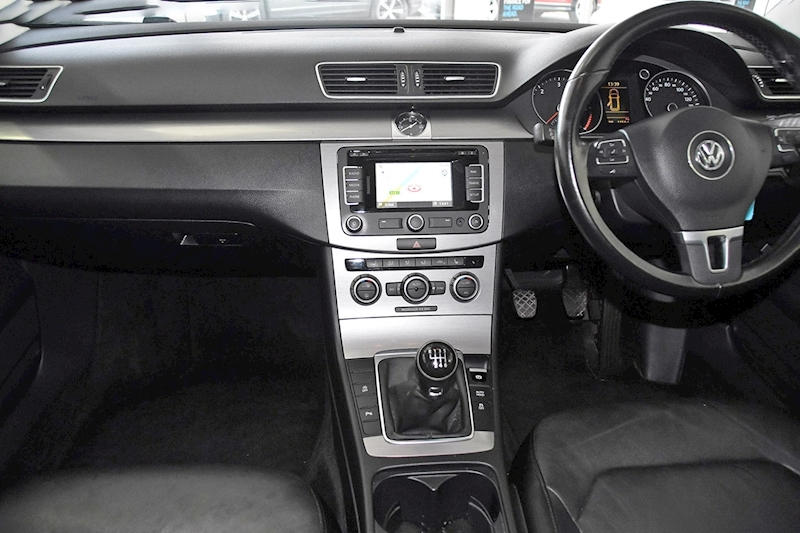 Volkswagen Passat TDI BlueMotion Tech Executive - Large 13