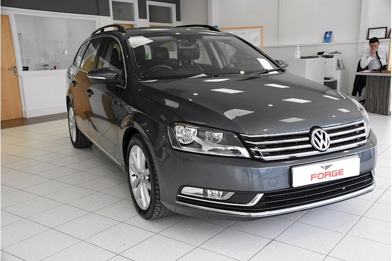 Volkswagen Passat TDI BlueMotion Tech Executive - Large 0