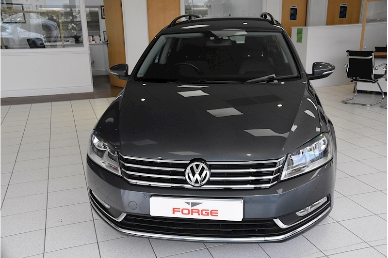 Volkswagen Passat TDI BlueMotion Tech Executive - Large 1