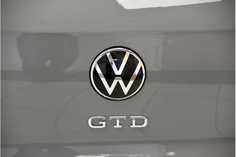 Volkswagen Golf TDI GTD - Large 9