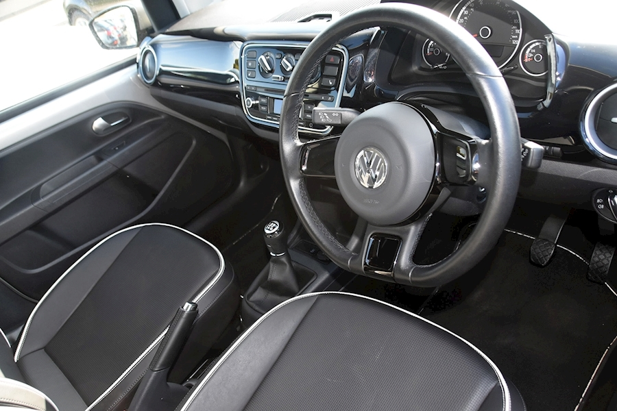 Volkswagen Up High Up - Large 9