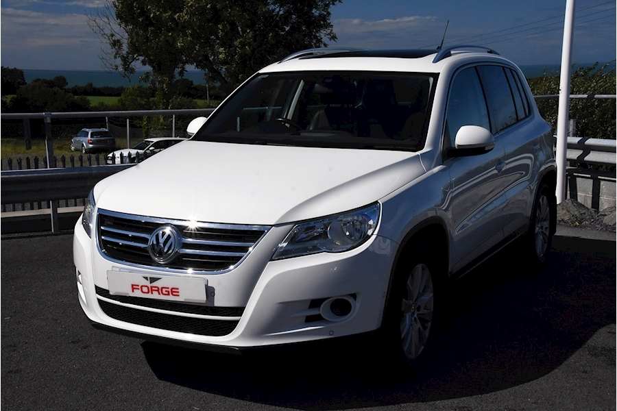 Volkswagen Tiguan Match Tdi 4Motion - Large 0
