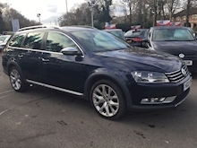 Volkswagen Passat 2.0 Alltrack Tdi Bluemotion Tech 4Motion Dsg (PANORAMIC SUNROOF+SATNAV) - Thumb 2