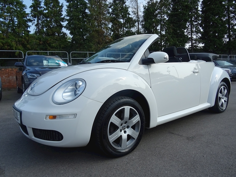 Volkswagen Beetle 1.6 Luna 8V (POWER HOOD)