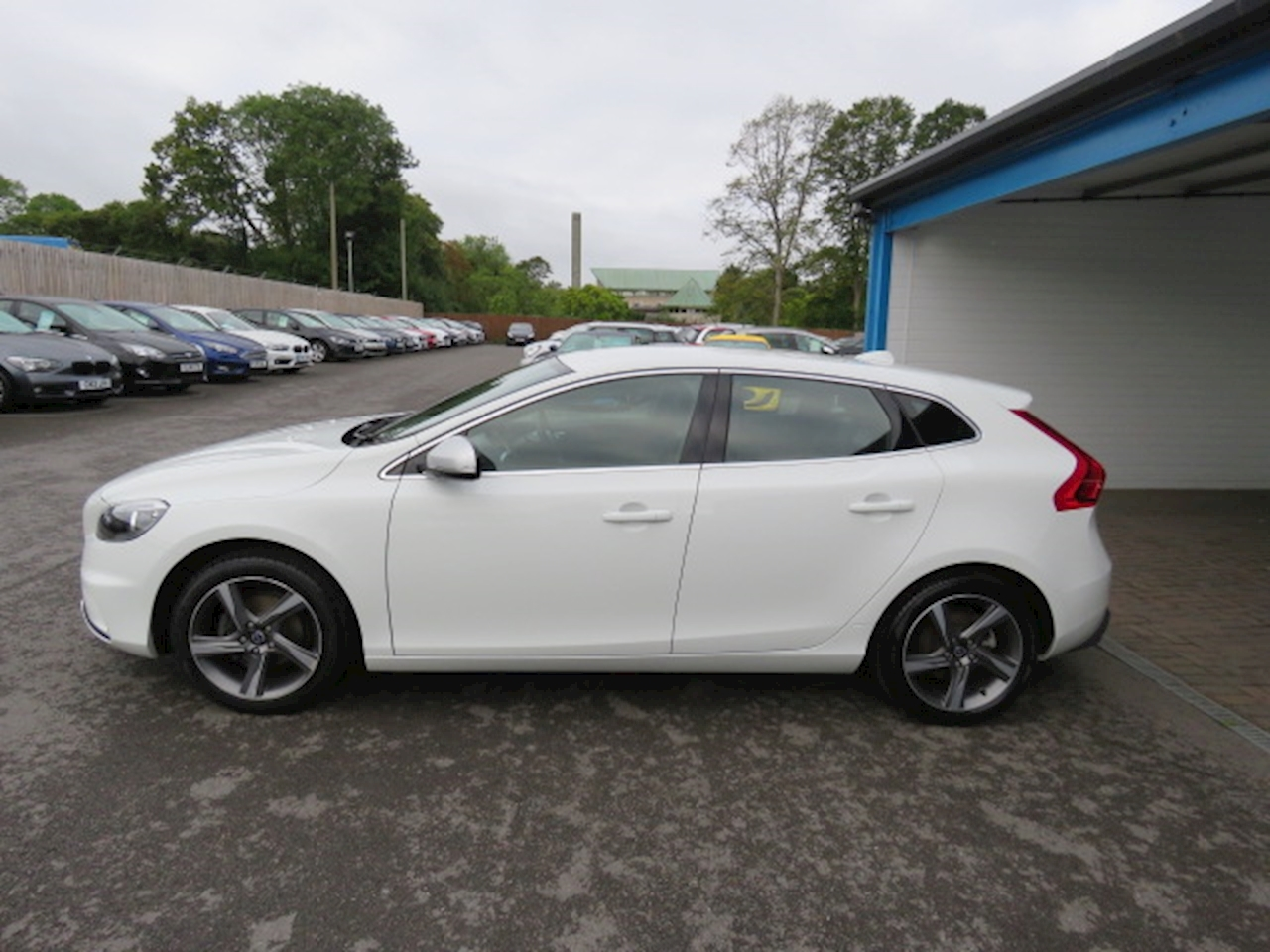 Volvo V40 R-Design 1.6 5dr Hatchback Manual Diesel