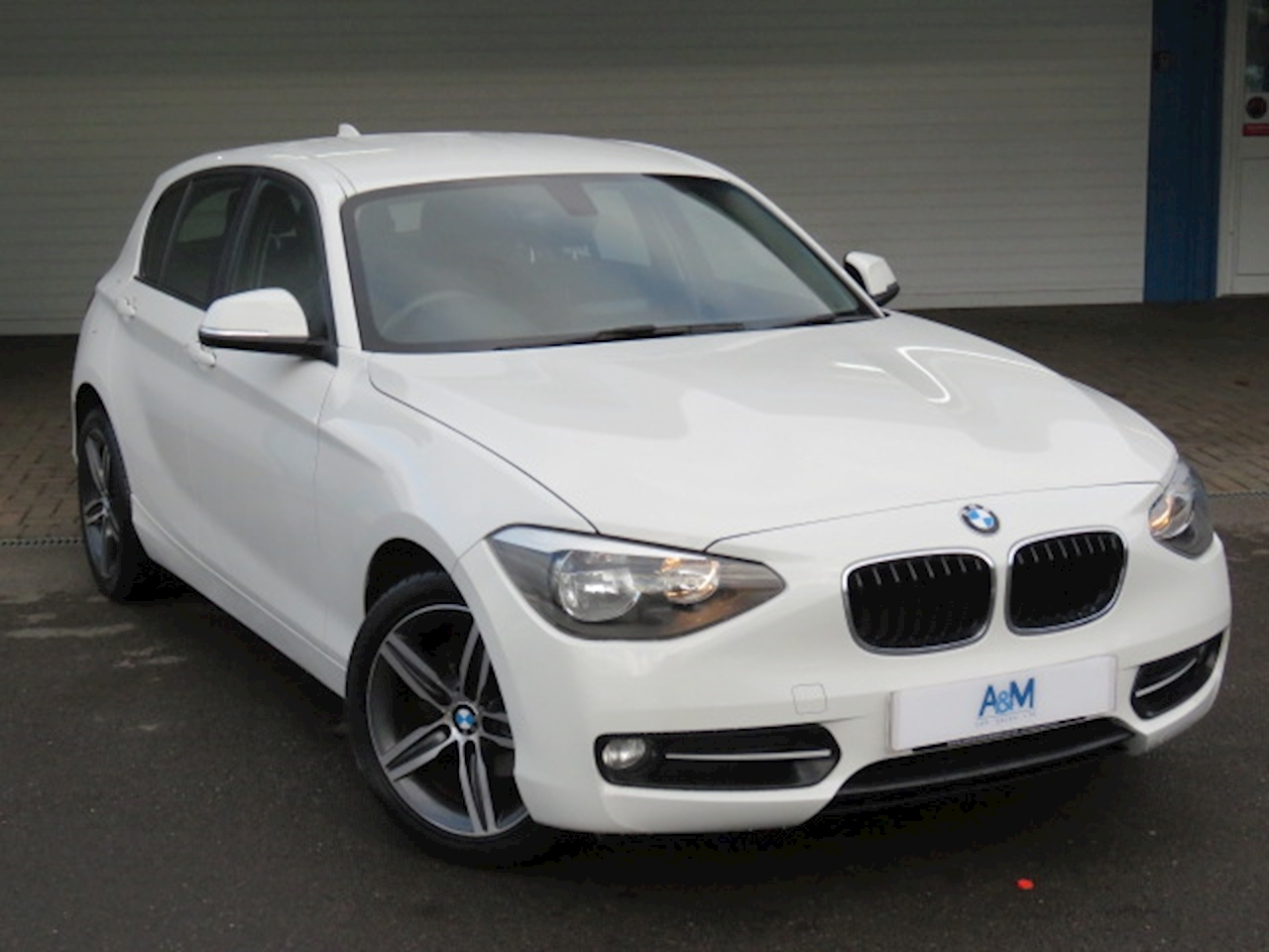 BMW 1 Series 116d Sport 5-door 2.0 5dr 5 Door Sports Hatch Automatic Diesel